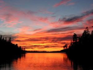 Northern Light Lake Minnesota_sunset