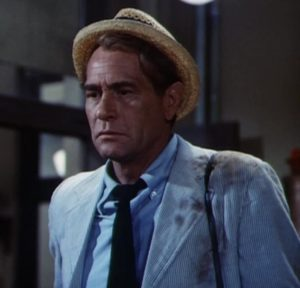 Actor Darren McGavin as reporter Carl Kolchak