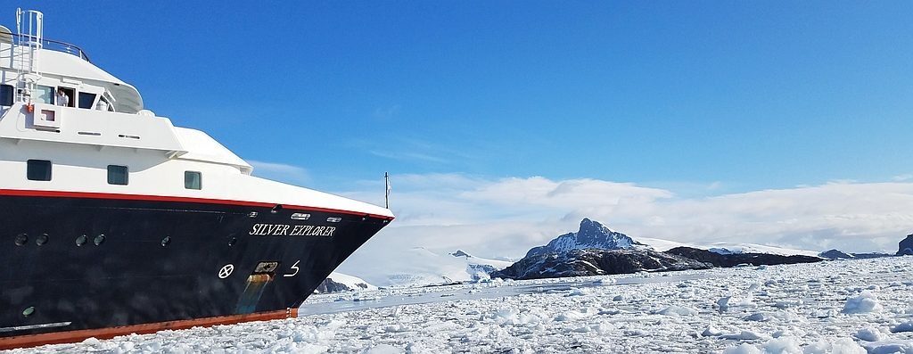 panorama Silversea Silver Explorer in the Antarctic