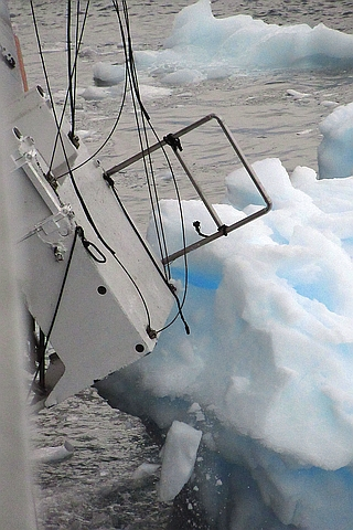 Gangway platform hit by iceberg in Paradise Harbour